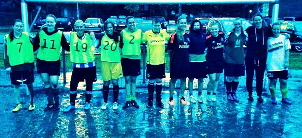 Regen kann den Spaß am Fußball nicht verderben. (Foto: privat)