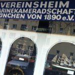 Eine Marinekameradschaft, in München daheim. (Foro: Krebs)